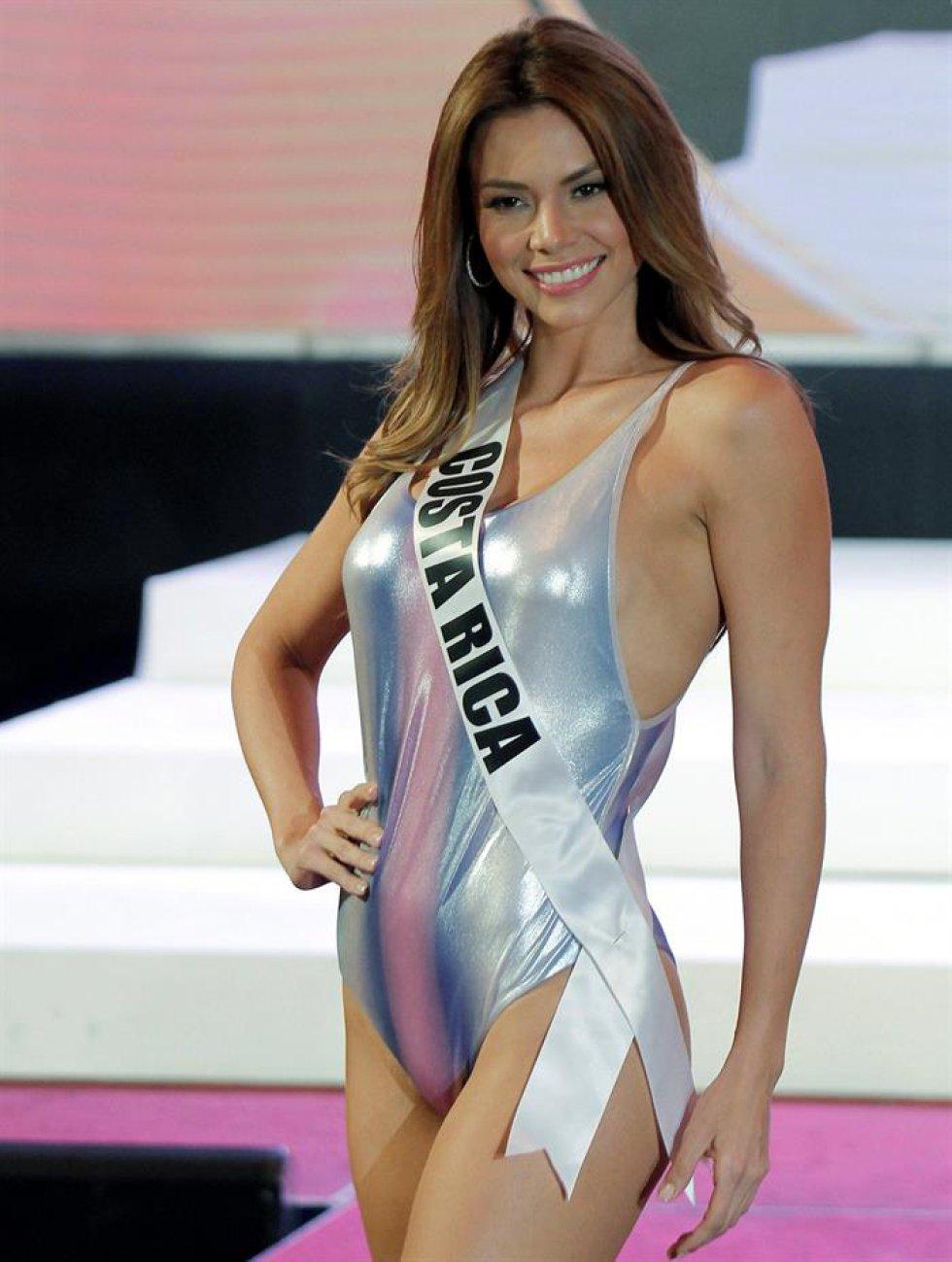 c3edd673a648f Miss Universo   Fotos  El primer desfile en traje de baño de las candidatas  a Miss Universo