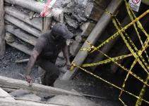 Aunque evacuaron más de 60 toneladas de roca, no aparecen mineros en Boyacá - Noticias de Colombia