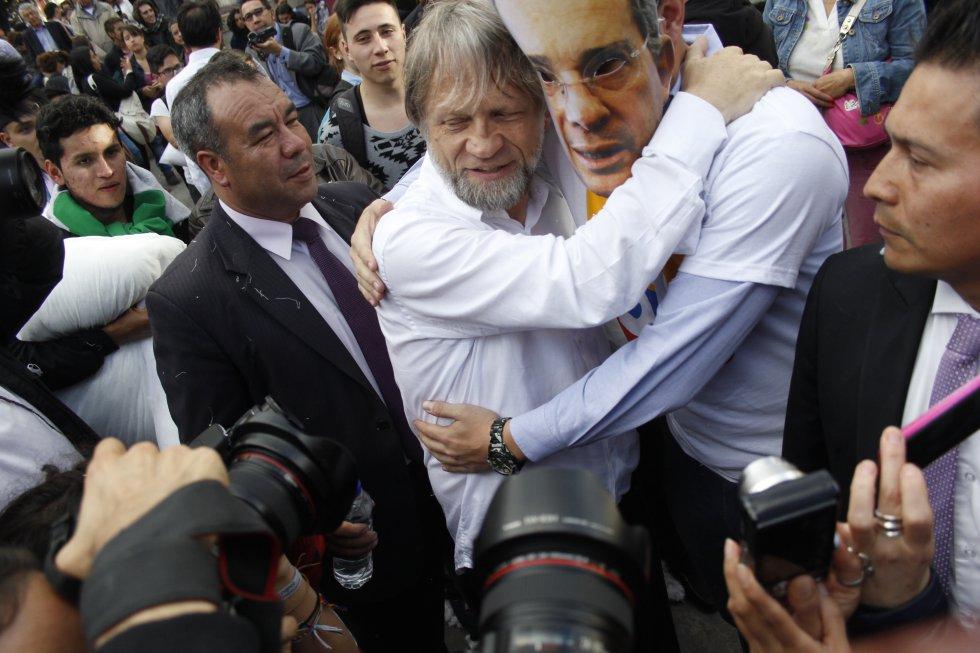Resultado de imagen para fin de guerra colombia