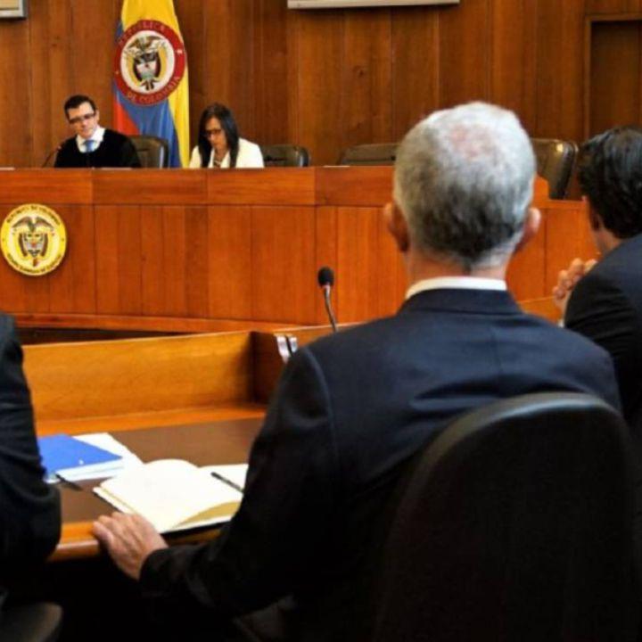 Pasó la mediática indagatoria a Uribe